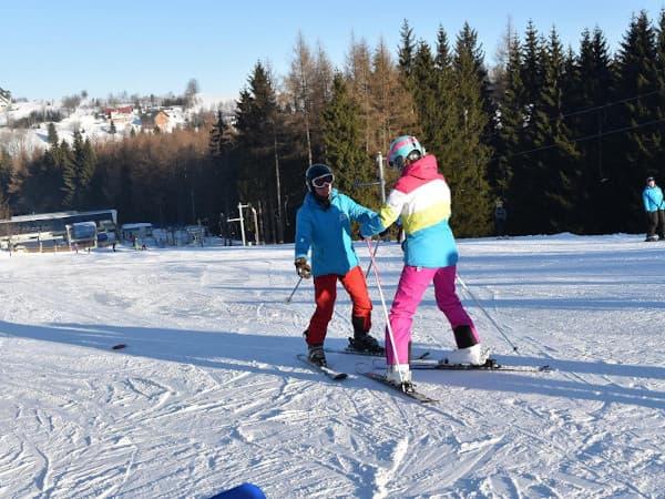 Szkółka Narciarska - Ski Team Zieleniec